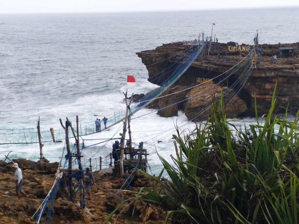 Jembatan Pantai Timang sumber Rihlah Dakwah 2