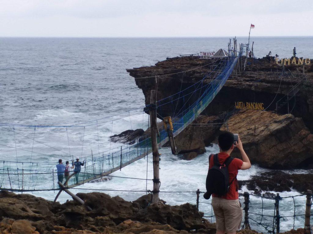 Jembatan Pantai Timang sumber Rihlah Dakwah 3