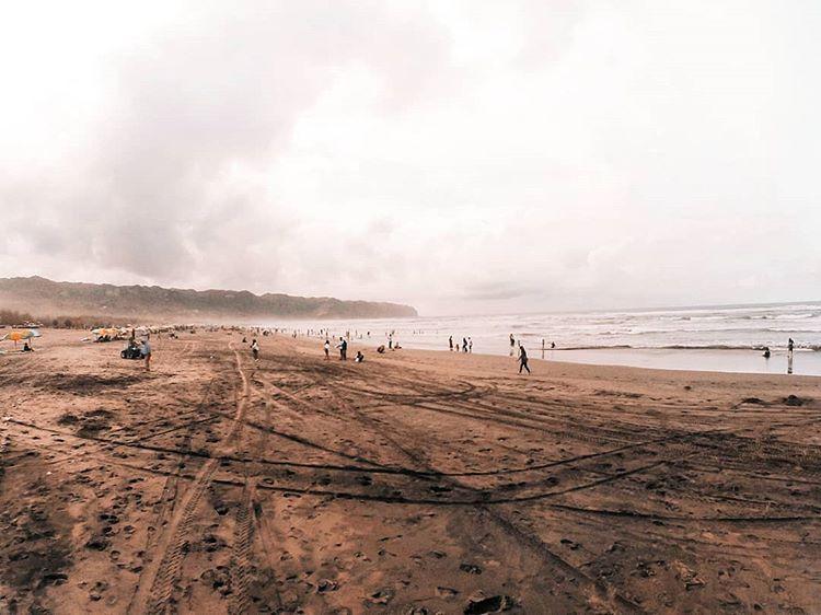 Pantai Parangtritis sumber ig @_aeswe