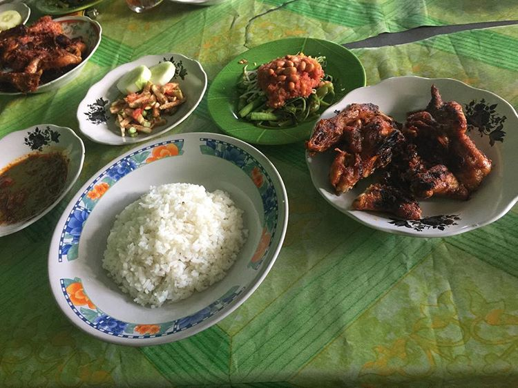 Ayam Taliwang dari Sumbawa Besar, sumber ig @billybriyan