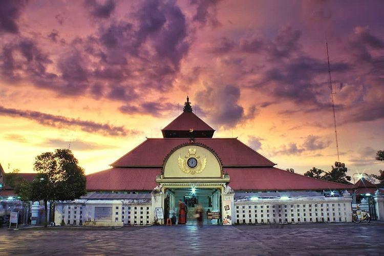 Masjid Gedhe Kauman sumber ig @fathurohman7