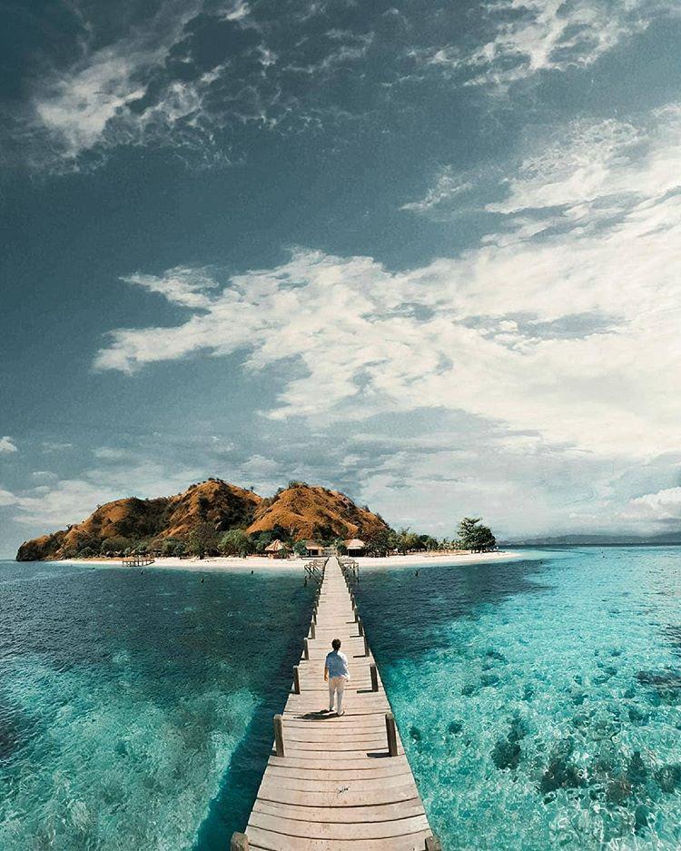 Pulau Kanawa sumber ig @infiatravel