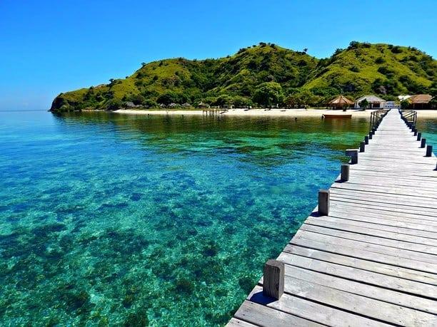 Pulau Kanawa sumber ig @rd_trevel_labuan_bajo