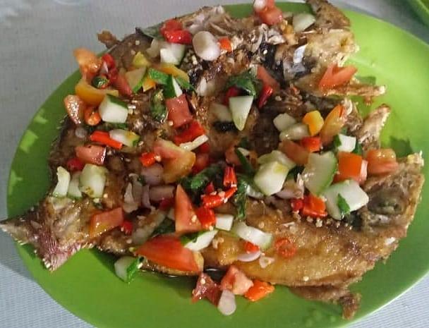 Seafood disekitar Labuan Bajo, sumber ig @kedaianalabuanbajo