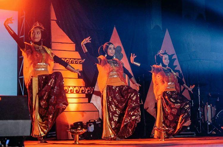 Tari Nguri dari Suku Samawa Sumbawa, sumber ig @firmanananda72