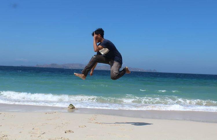 Foto pantai Papa di Bima, sumber ig @ansharyatsauri.jpg