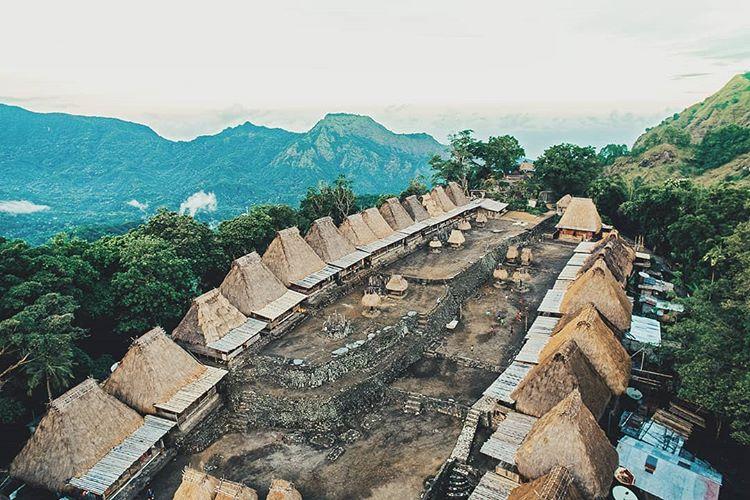 Kampung Adat Bena, Desa Wisata Yang Mirip Zaman Batu