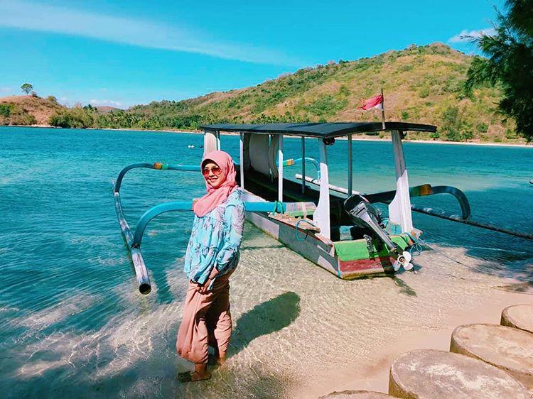 Keindahan pantai Gili Tangkong Lombok, sumber ig @ibelbelinda