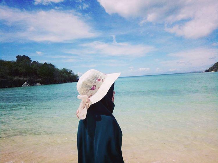 Pemandangan di pantai Nisa Wawi kabupaten Bima, sumber ig @nurkhoiriyah495