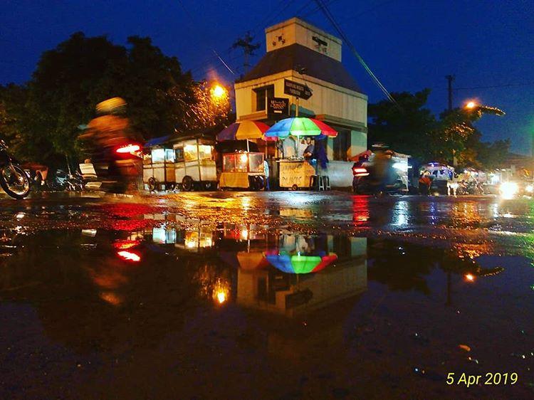 Pasar Kotagede, salah satu pusat jajanan kuliner tradisional, sumber ig @natsir_dabey