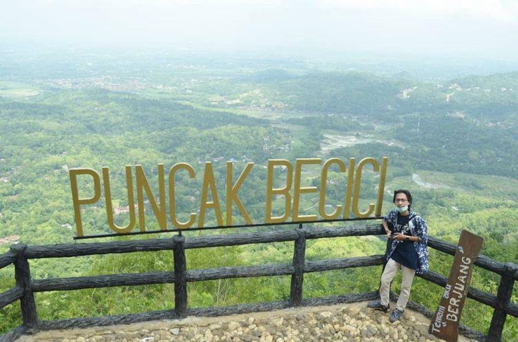 Pemandangan dari puncak Becici, sumber ig @denidazhell_