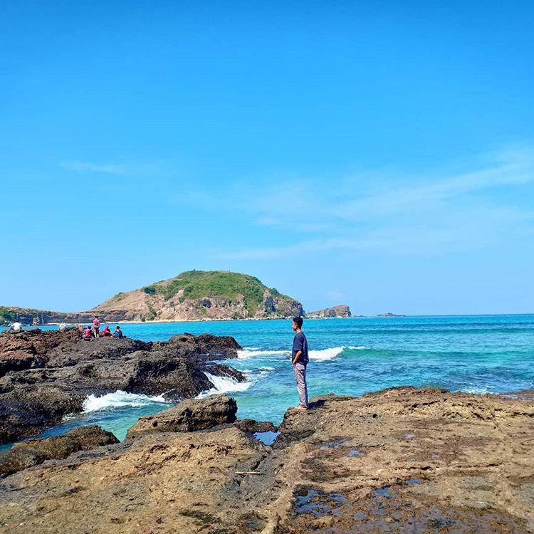 Pantai Kuta Lombok, sumber ig ismilovarian29