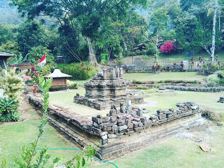 Bangunan candi Songoriti di Malang, ig wisata_kota.batu