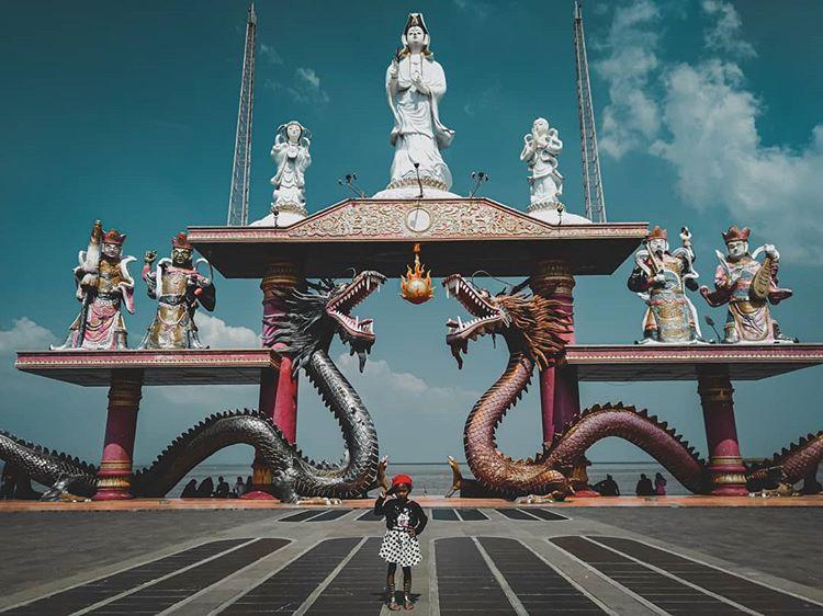 Foto pintu gerbang Sanggar Agung di Surabaya, ig itaathena