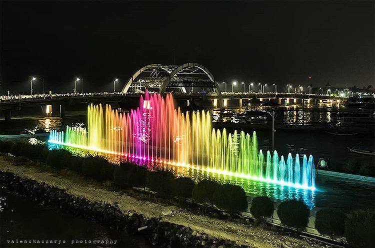 Foto warna wari air mancur menari Surabaya, ig valenshascaryo