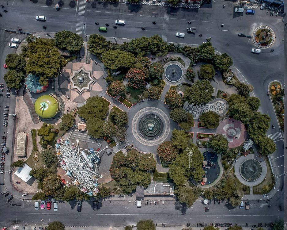 Foto udara alun alun kota Batu Malang, ig @lingkarmalang
