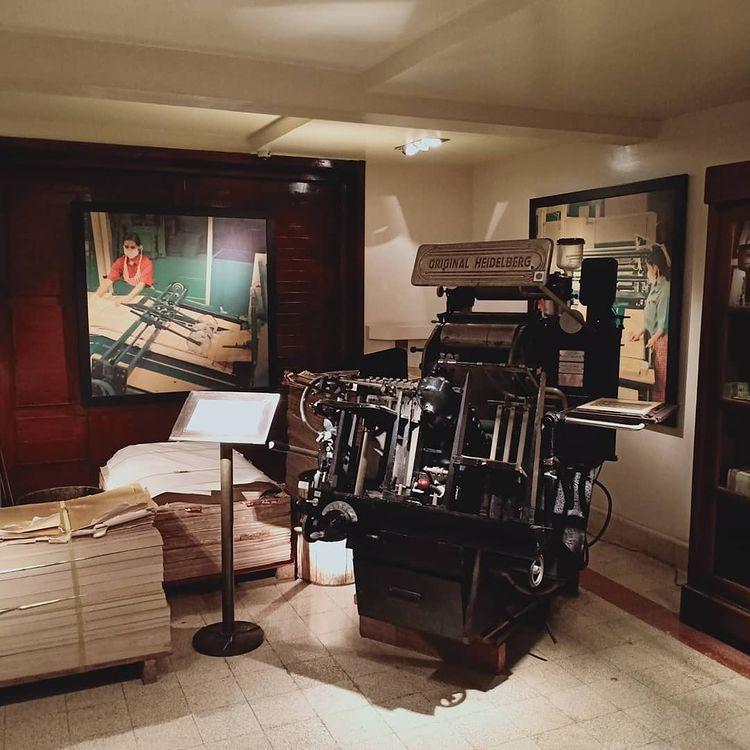 Foto mesin pembuat kretek di dalam museum, ig william_p_o_