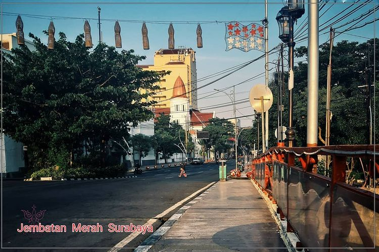 Foto wisata sejarah jembatan merah Surabaya, ig ekolaksono