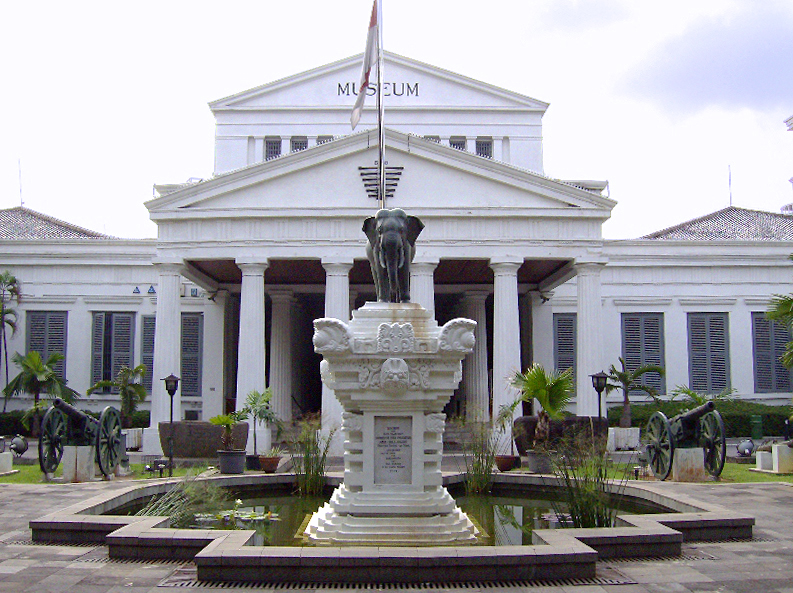 Museum nasional indonesia. Sumber : Wikipedia